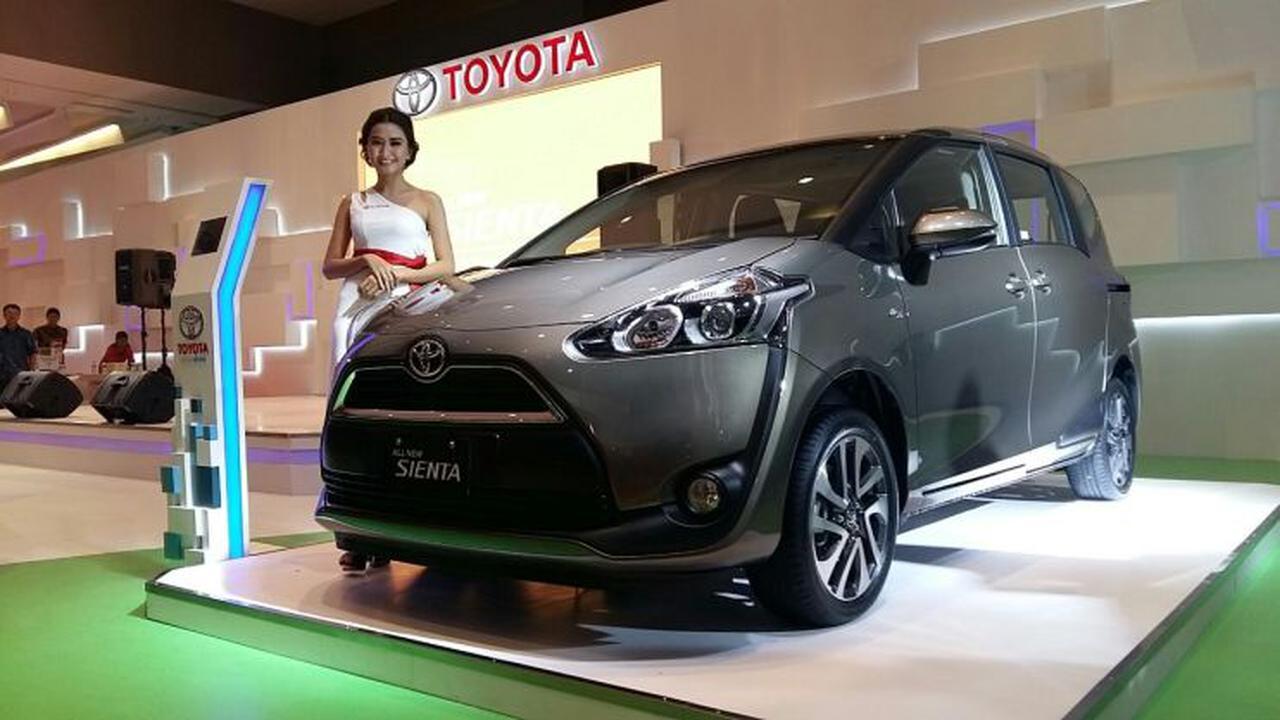 Toyota Sienta Menggoda Calon Pembeli Toyota Veloz Walau Ada Selisih Harga