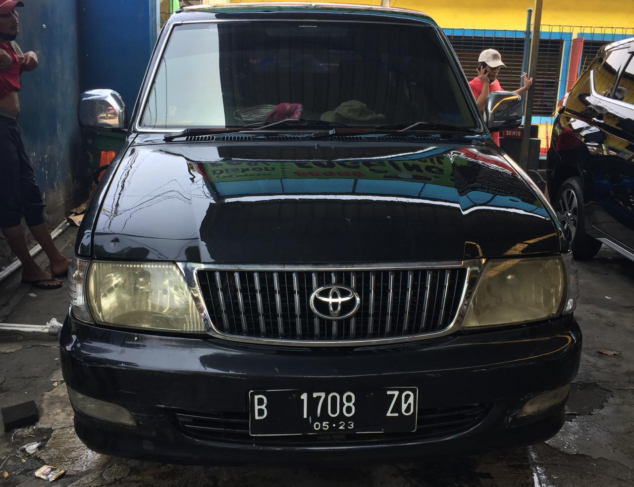 Kijang LGX Th 2003 / B 1708 ZO